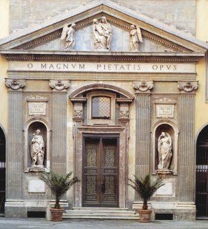 facciata cappella del monte di pietà a napoli