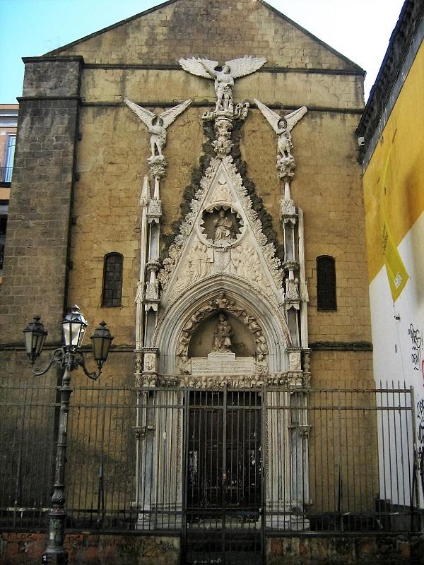 facciata cappella san giovanni dei pappacoda a napoli