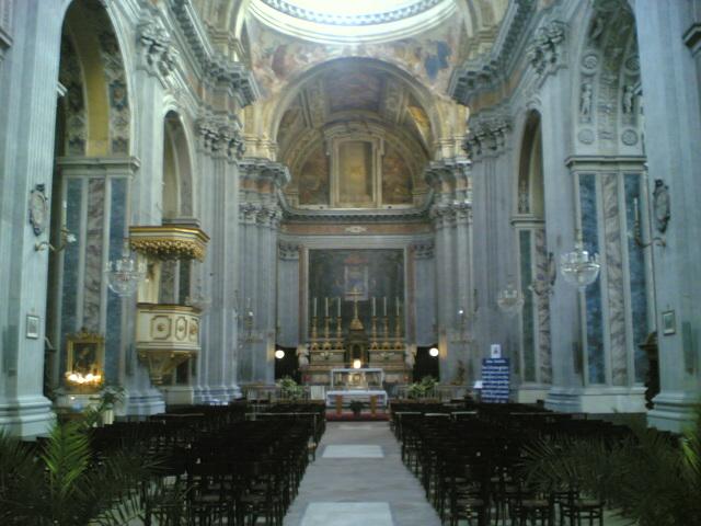 interno chiesa santa maria degli angeli a Pizzofalcone