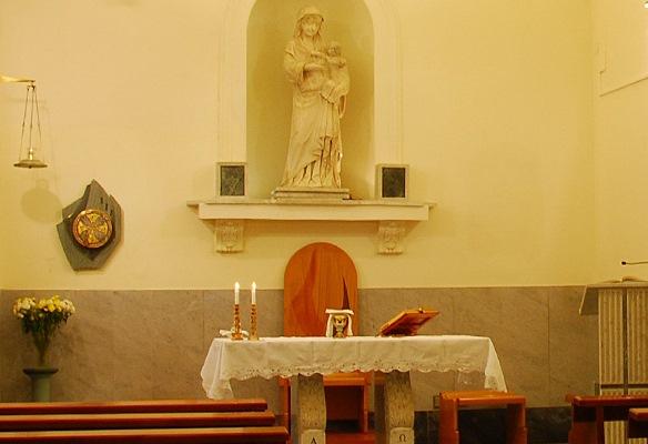 interno Chiesa di Santa Maria Materdomini a Bagnoli