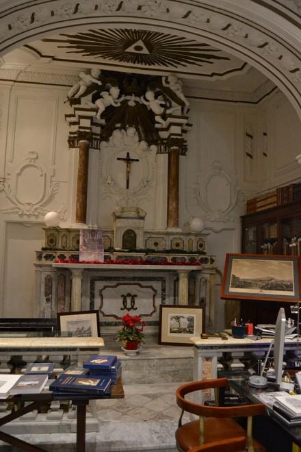 altare Chiesa Matri Divinae Gratiae Dicatum