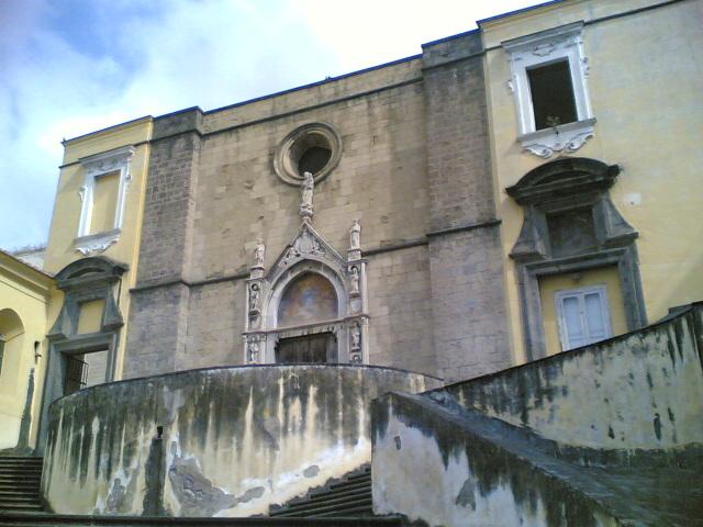 facciata chiesa san giovanni carbonara