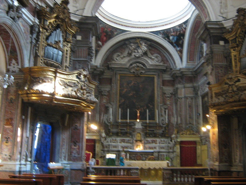 interno chiesa di Santa Maria Egiziaca all'Olmo a Forcella