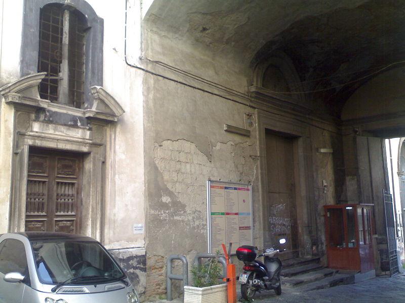 ingresso chiesa santa maria agli incurabili
