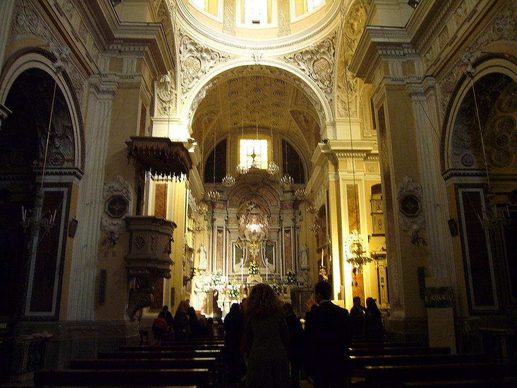 intereno Chiesa di Santa Maria in Portico