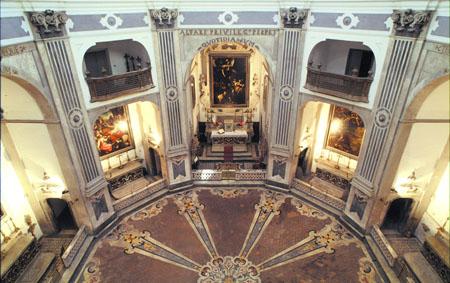 interno chiesa del pio monte della misericordia
