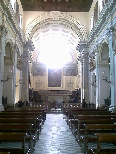 interno chiesa monteoliveto