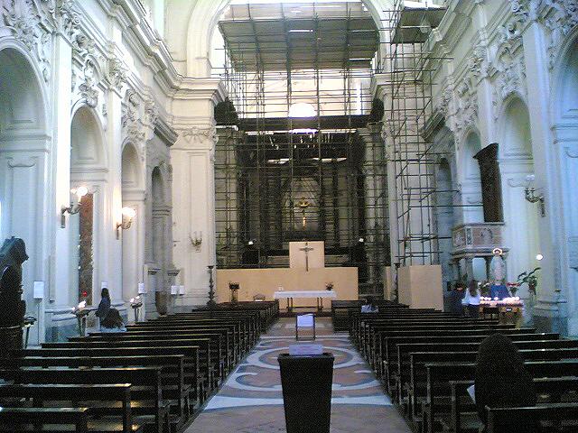 interno chiesa san pietro martire