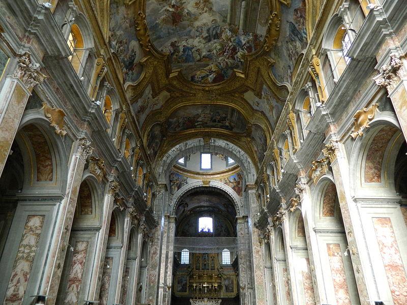 interno chiesa santi severino e sossio