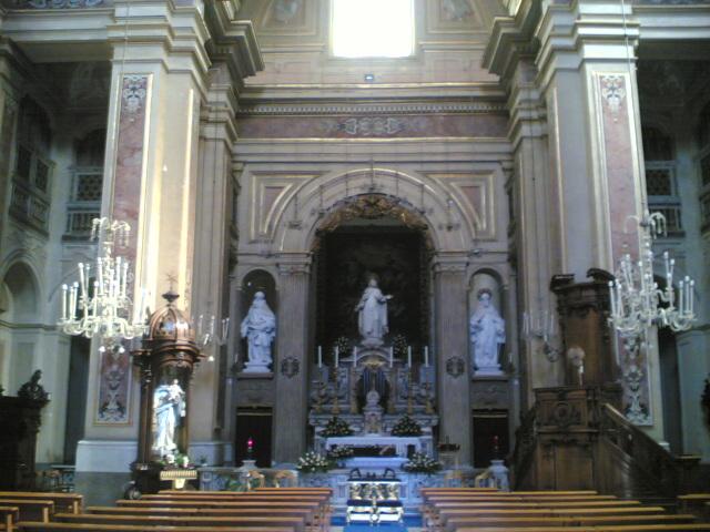 interno chiesa santa teresa a chiaia