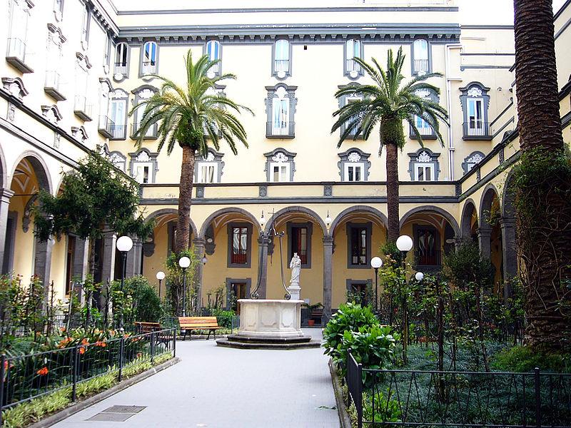interno chiesa santa maria di monteverginella