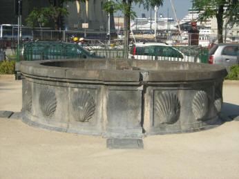 fontana delle conchiglie napoli