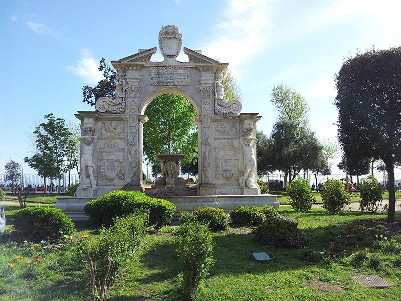 fontana di santa lucia napoli