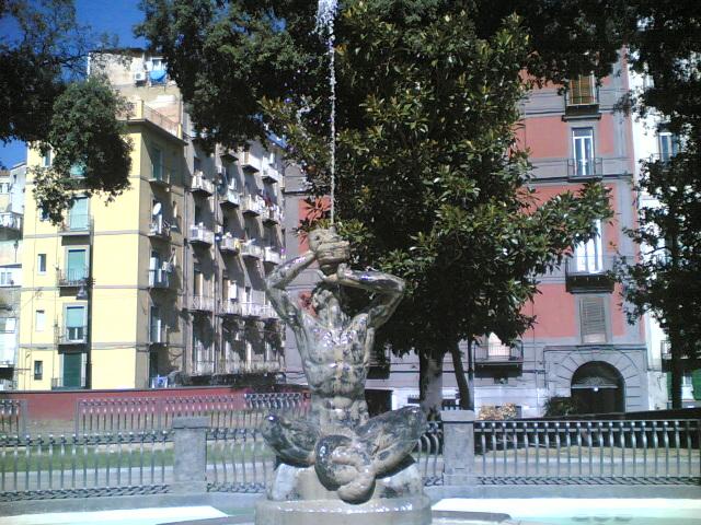 statua tritone napoli