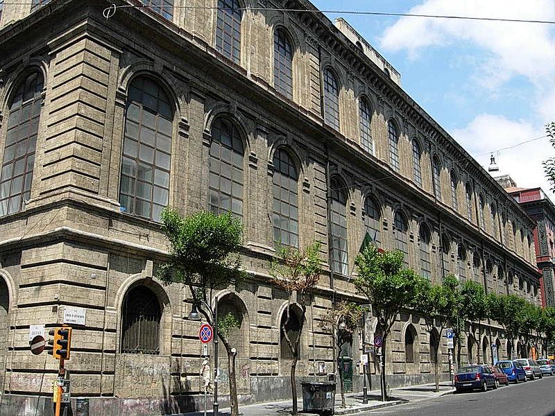 facciata palazzo accademia delle belle arti di napoli
