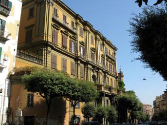 facciata palazzo albertini dei principi di cimitile a napoli