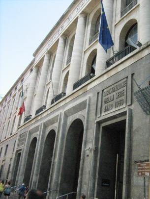 facciata palazzo del banco di Napoli