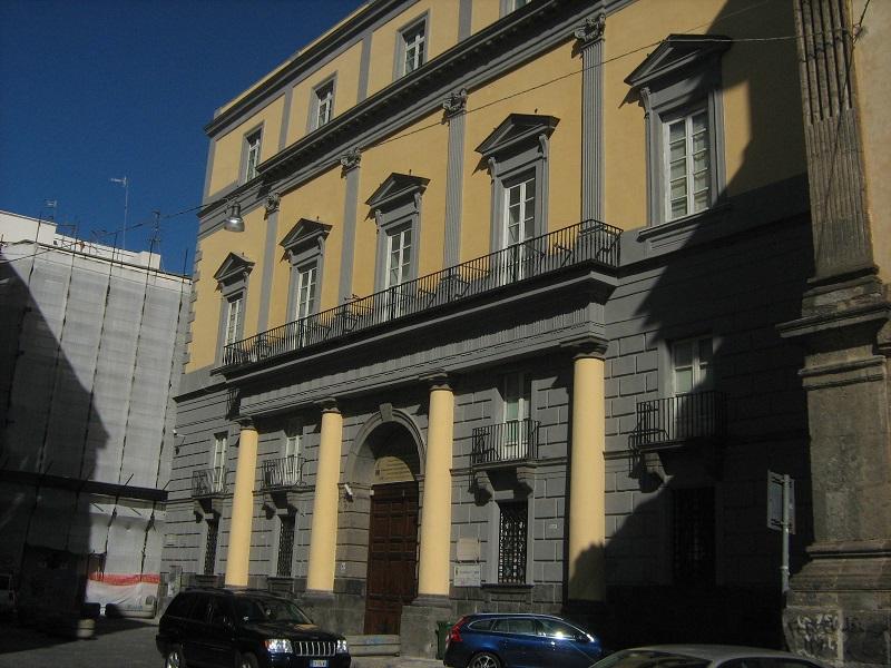 facciata palazzo carafa d'andria a napoli