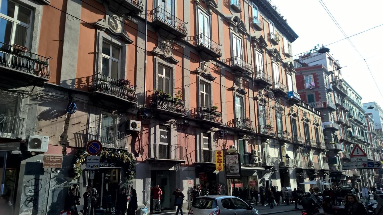 facciata palazzo carafa di Maddaloni a Napoli