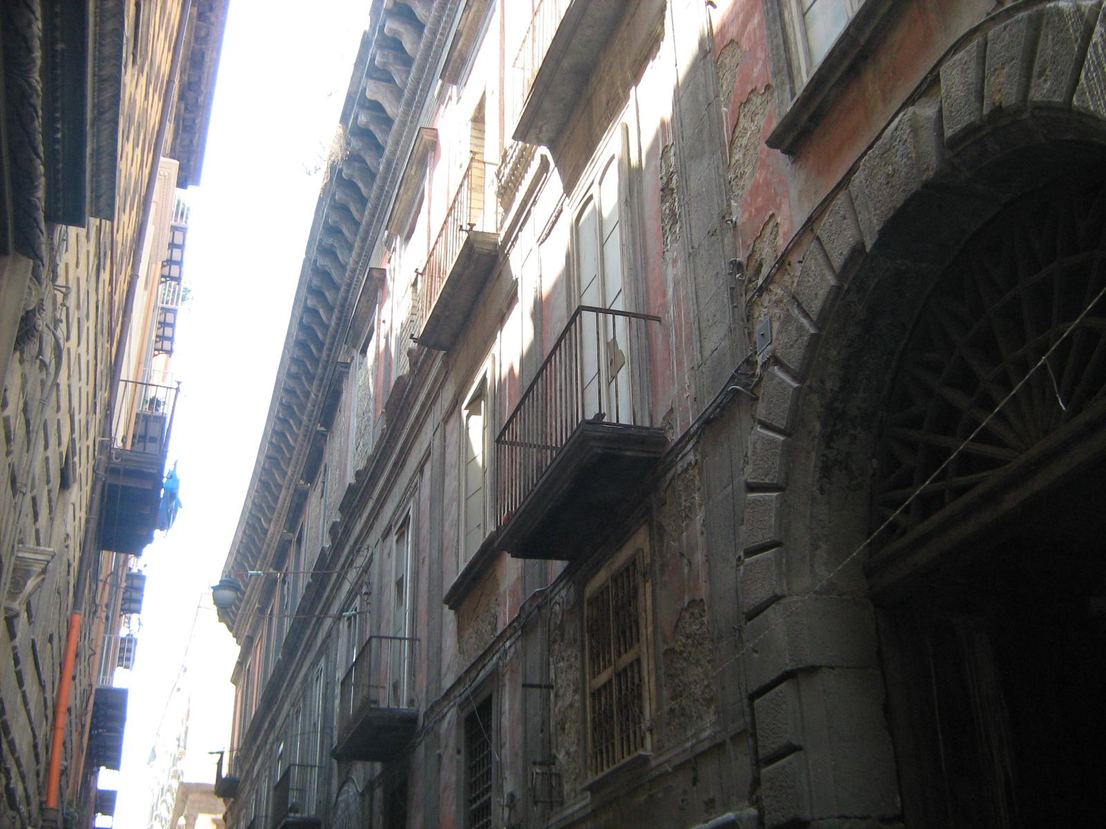 palazzo carafa di montorio a napoli
