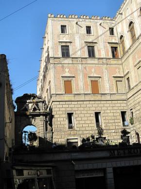 facciata palazzo cellamare a napoli