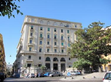 facciata palazzo cottrau ricciardi a napoli