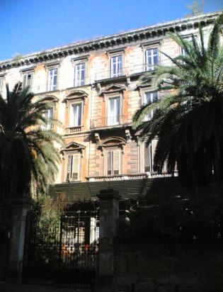 facciata palazzo d'avalos del vasto a napoli