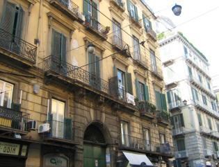 facciata palazzo de rosa napoli