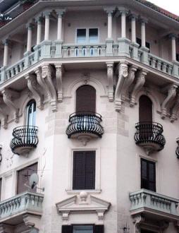 facciata palazzo galli a napoli