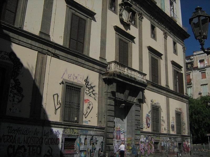 facciata palazzo giusso a napoli