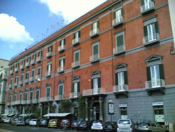 facciata palazzo ischitella napoli