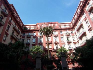 facciata palazzo leonetti a napoli
