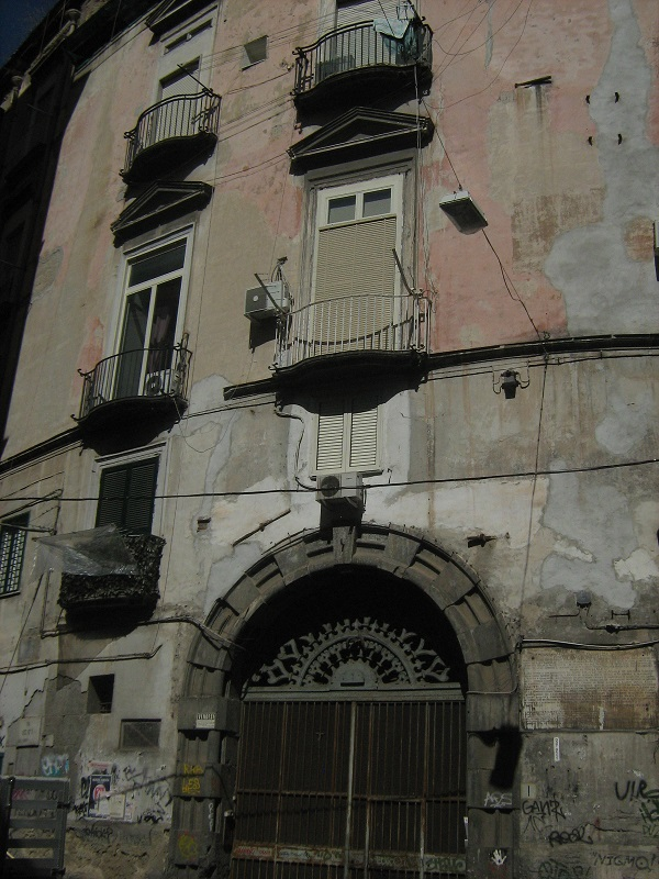 portale palazzo palmerice napoli