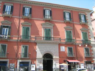 facciata palazzo pandola napoli