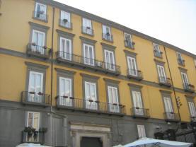 palazzo petrucci napoli