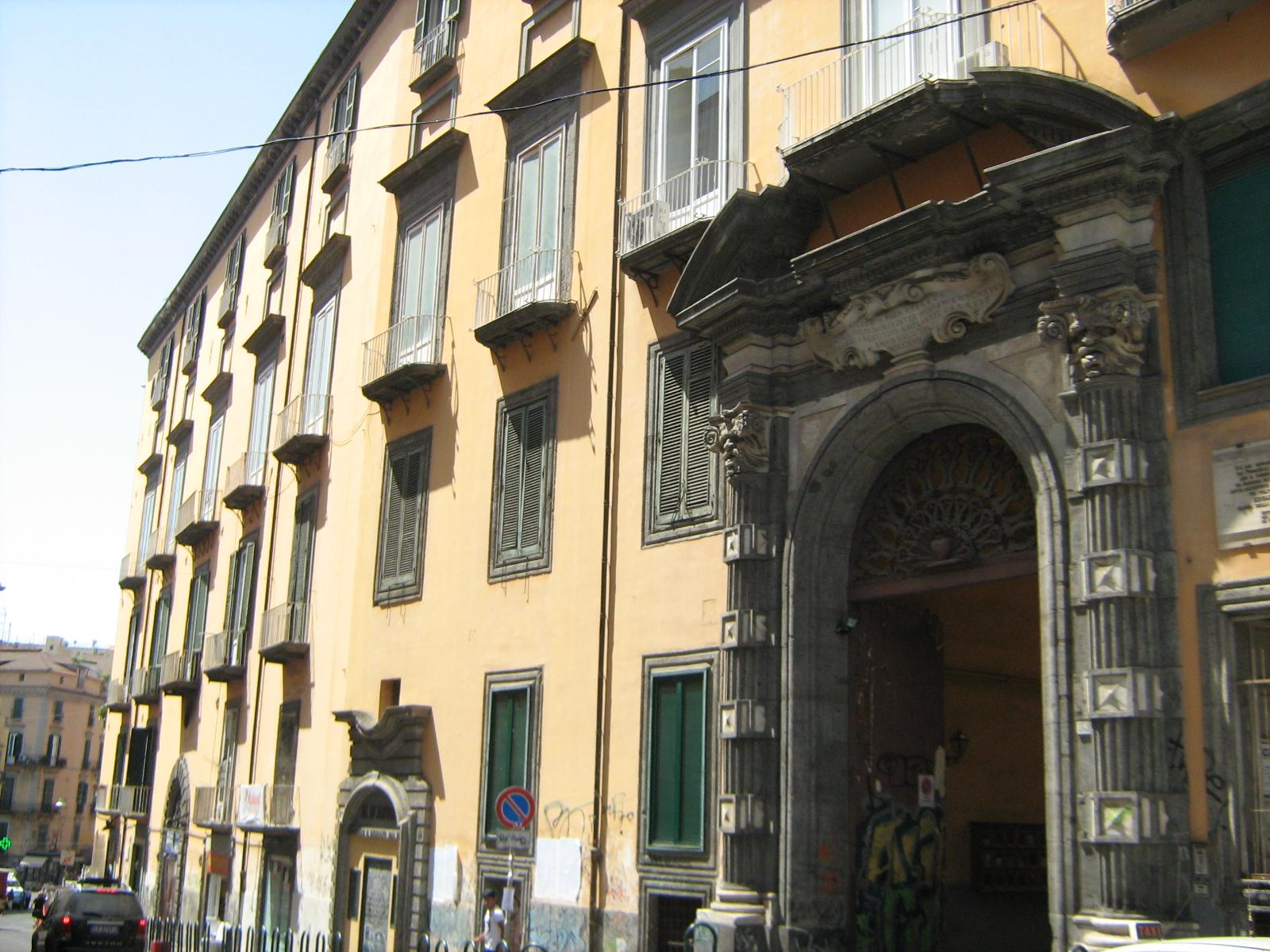 facciata palazzo pignatelli monteleone napoli