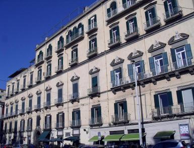 facciata palazzo ravaschieri di satriano a napoli