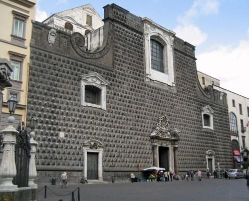 facciata palazzo sanseverino a napoli